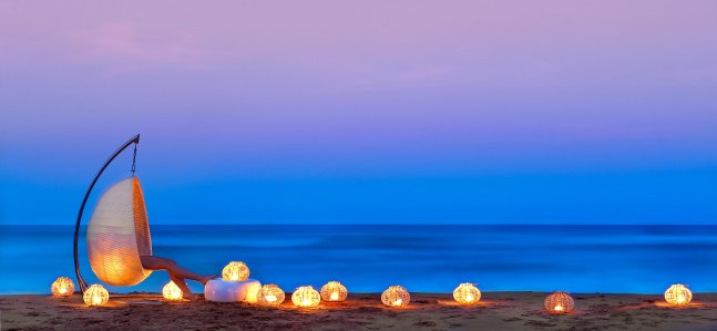 White-peral-ponta-mamoli-beach-by-night5